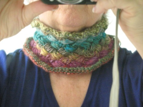Liliandia cowl on me