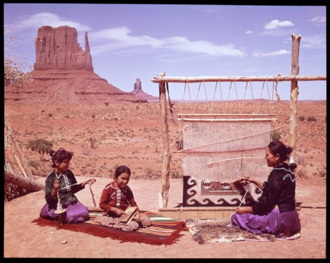 http://thsgraphicdesign.blogspot.com/2012/08/artboards-grids-snaplines-and-navajo.html