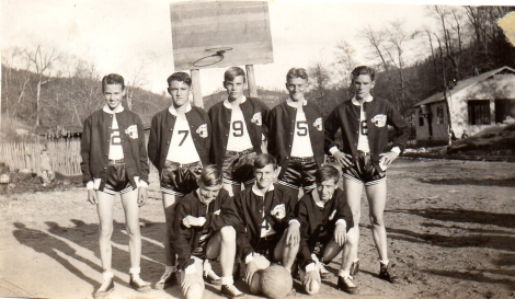 HS Basketball team 1939