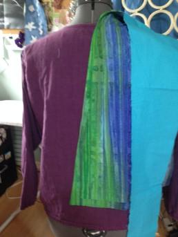 The skirt batik and a bit of turquoise cotton. I kinda like.